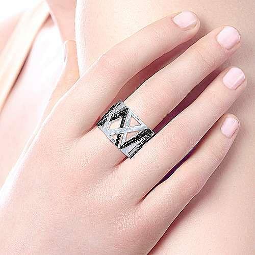 925 Sterling Silver Hammered Black Spinel Wide Ring