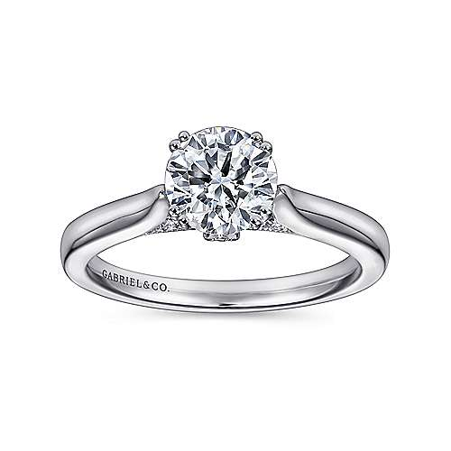Cleopatra 18k White Gold Round Solitaire Engagement Ring angle 5