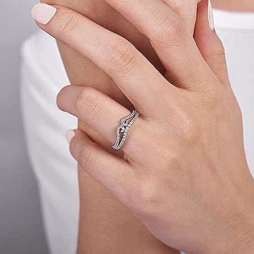 Curved 14K White Gold Twisted Diamond Anniversary Band