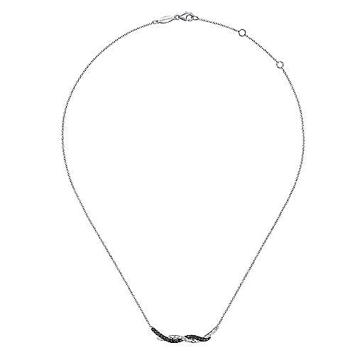 Hammered 925 Sterling Silver Black Spinel Twisted Bar Necklace
