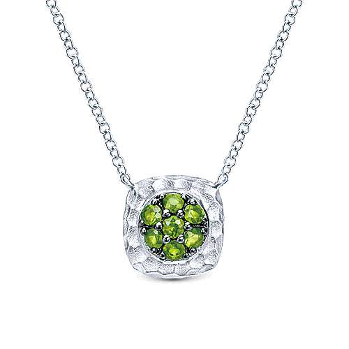 Hammered 925 Sterling Silver Peridot Cluster Square Necklace