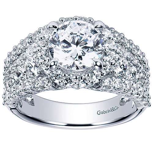 Light 18k White Gold Round Halo Engagement Ring angle 5