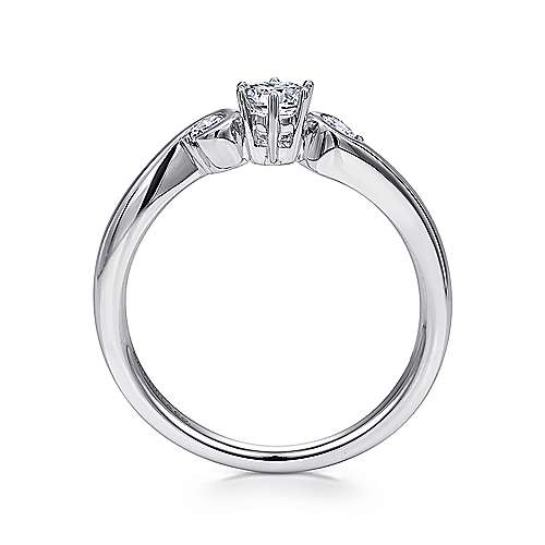 Meadow 14k White Gold Round 3 Stones Engagement Ring angle 2
