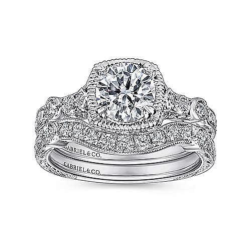 Metropolitan Platinum Round Straight Engagement Ring angle 4