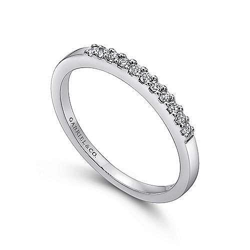 Platinum 11 Stone Shared Prong Diamond Wedding Band