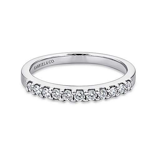 Platinum 11 Stone Shared Prong Set Diamond Wedding Band