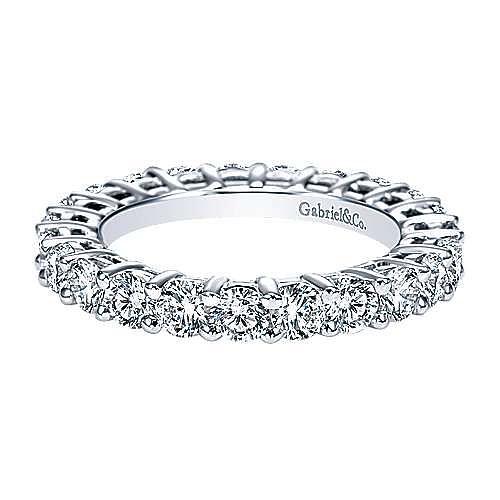 Platinum Shared Prong Diamond Eternity Band