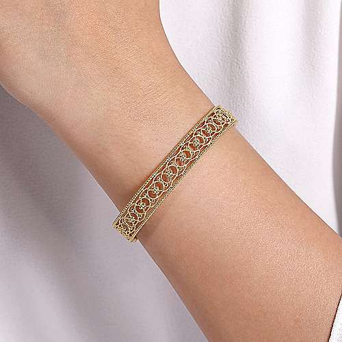 Vintage 14K Yellow Gold Open Filligree Bangle