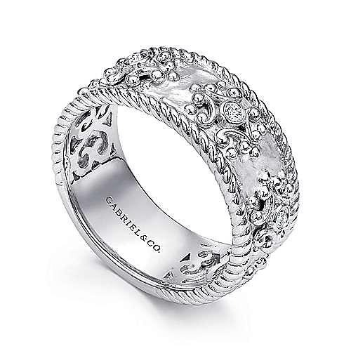 Vintage 925 Sterling Silver Wide Band Diamond Embossed Ladies Ring