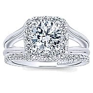 Hydrangea 14k White Gold Round Halo Engagement Ring angle 4