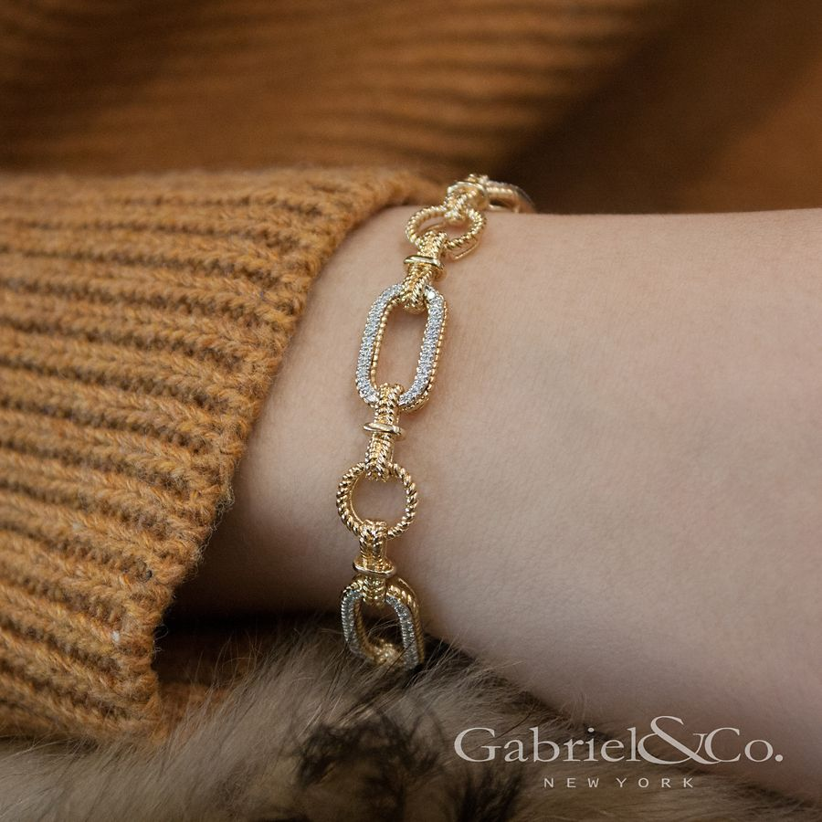 14K Yellow and White Gold Diamond Bracelet with Alternating Links angle